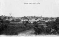 Dabou, quartier indigène - Dabou est un chef-lieu de subdivision du cercle d'Abidjan qui compte, en 1948, 4296 habitants. Dabou dispose d'une poste, du télégraphe, du téléphone, d'un médecin africain, d'un dispensaire et d'un garage où il est possible de réparer les automobiles. Il y a trois entreprises commerciales qui sont Dubosi, Prétureau (transport) et Tschirren (transport). L'industrie repose sur l'UTP (Plantation-usine de traitement palmiste) et la Société commerciale et agricole de l'Agneby (briquetterie). Le seul planteur répertorié alors est Nguessan Clément (Jacqueville).