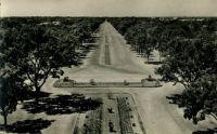 Ouagadougou, les Champs Élysées – Il s'agit de du boulevard officiellement appelé aujourd'hui boulevard de la République, qui mène de l'actuel rond point des Nations Unies à la présidence (laquelle est en passe de devenir l'ancienne présidence au profit de la nouvelle sise à Ouaga 2000), et non de l'avenue Kwamé Nkrumah souvent surnommée « Champs Élysées de Ouaga »