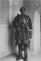 Ministre de la guerre mossi – Carte postale editée par les Missions d'Ouagadougou.