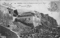 Dakar, îlle de Goree, la falaise et le Castel