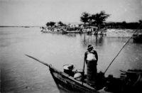 Bamako, bac sur le Niger - légende manuscrite, photo prise par un amateur et datée au dos du 28.10.1942