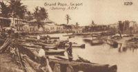 Grand Popo, le port – La ville de Grand Popo est un centre important du cercle d'Athiémé. C'est un port secondaire et le débouché de très importante palmeraires . Il dispose d'un bac à moteur.